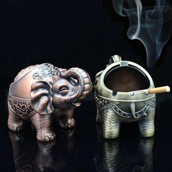 Cinzeiro Elefante em Metal (escolha deitado ou em pé)
