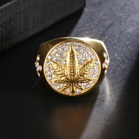 Anel inoxidável dourado com strass e Folha